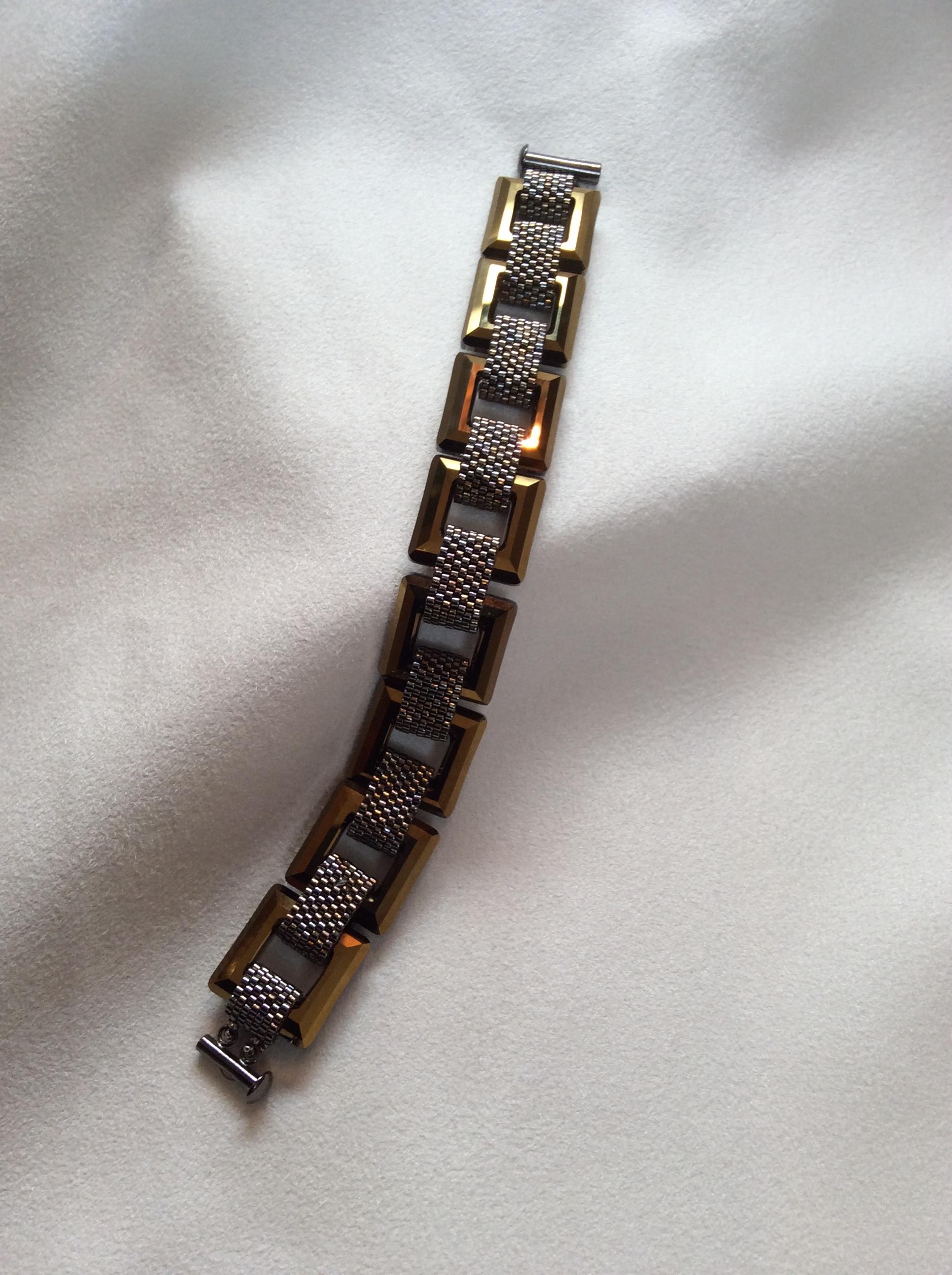 Golden Frames Bracelet